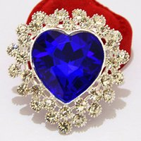 Venda por atacado - Cheap Retail Silver Tone Big Blue Heart Crystal Broche de luxo Womne Corsage para casamento Hot Selling Women Pins detalhados Broches