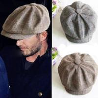 erkekler düz şapka şapkaları toptan satış-Toptan Erkek Kadın Retro Baker Boy Şapka Newsboy Gatesby Tüvit Ülke Golf Güneş Düz Bere Kap Ücretsiz Kargo
