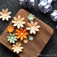4Pcs Cake 3D Plunger, украшающий Daisy Flower Fondant Sugarcraft Icing Cutter tools ZH845