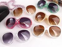 gafas de sol de niña multicolor al por mayor-Gafas de sol de las gafas de sol del ms de 2017 ms gafas de sol del marco de las muchachas de las gafas de sol de una sola pieza marcos al por mayor de los fabricantes de los marcos del multicolor