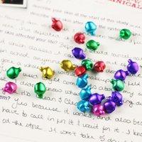jingle bell noël charmes achat en gros de-500pcs Mixed-Couleur Petits Charms Jingle Bells Noël De Noël Décoration Pendentifs Bijoux Artisanat