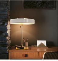 luzes de cabeceira modernas venda por atacado-L25-Modern Nórdico Simplicidade Design Nobre e Elegante Lâmpada de Cabeceira Levou Candeeiro de Mesa E14 * 3 Lâmpada de Mesa Decoração de Metal Estudo luz