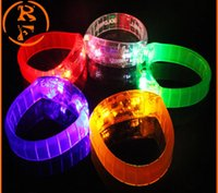 5 Control de sonido de color Led pulsera intermitente Iluminar pulsera brazalete Música activado luz nocturna Club de actividad Party Bar Disco Cheer juguete