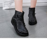 Conforted Design Elegant Lady Boots Mulher de couro genuíno Curto Ankle Lady Handmade Women Shoes Hot 3D Fish Design Sapatos ocasionais étnicos S028
