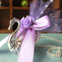 Wholesale Silver Swan Favors - Acrylic Silver Swan Sweet Love Wedding Gift Jewely Candy Favor Sweetbox Candy Package New Novelty Wedding Favors holders High Quality