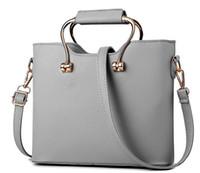 Wholesale Wild Fashion Bags - 2017 new ladies shoulder bag fashion handbag handbag Messenger bag wild winter tide