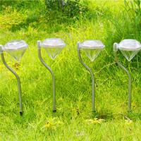 estaca de energía al aire libre al por mayor-Luz de jardín con energía solar LED Los diamantes forman blanco / blanco cálido / luz de césped RGB Camino de luz solar Camino de jardín Estacas Linternas Lámparas para exteriores
