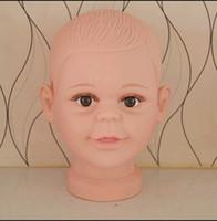 mankafa kuklaları toptan satış-Freeshipping toptan PVC Gerçekçi Plastik Bebek / çocuk çocuk Manken Kukla Başkanı Peruk Şapka Sunglass Ekran kafa Manken 1 ADET B617