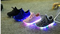 acenda asas de sapatos venda por atacado-Sapatos de crianças com luz Moda brilhante tênis meninos meninas sapatos asas de lona apartamentos primavera crianças acender sapatos