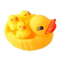 Wholesale 4PCS Baby Toys Water Floating Children Water Duck Toys Yellow Rubber Baby Bath Toy for Kids Squeeze Sound Squeaky Pool