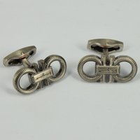 Wholesale F R G M High Quality Best Design AAA Texture Pattern Horseshoe Shape Famous Brand Cufflinks