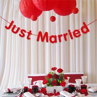 Vente en gros - Meilleures ventes Golden Golden Silver Hangings Mariage Décoration Mariage Just Married Letters Ornaments Romantic Bedroom Decor WD003