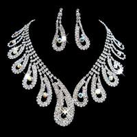 balo için gümüş takı setleri toptan satış-Moda Rhinestones Gelin Takı Setleri Gümüş Kristaller Düğün Kolye Ve Küpe Gelin Balo Akşam Parti Aksesuarları Için
