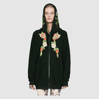 Wholesale Woman Flower Pullover - Europe Italy Embroidery Flower Applique hoodies Jumper Pullover men women fashion Luxury Hooded Sweatshirts