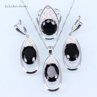 siyah elmas saplı kolye küpe seti toptan satış-Trendy Büyük Siyah taş Beyaz Rhinestone Kadınlar Için Büyük Yuvarlak gümüş 925 Takı Setleri Bırak Küpe / Kolye / Kolye / Yüzük