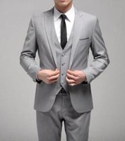 Slim Fit Light Grey Estilo Custom Made One Button Groom Tuxedos Side Slit Groomsmen Homens Casamento / Conjuntos de jantar (jaqueta + calça + gravata + colete)