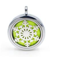 Wholesale White Felt Snowflakes - Snowflake Magnetic Perfume Aromatherapy essential oil Diffuser Locket Floating locket pendant (Felt Pads randomly freely) XX136