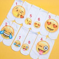 baby-weihnachtshefterzufuhren großhandel-Cartoon Emoji Socken Teenager Hausschuhe Mädchen Strümpfe Söckchen für Jungen Schlauch Herbst Winter Lady Low Cut Strumpfwaren Weihnachtsförderung Geschenk