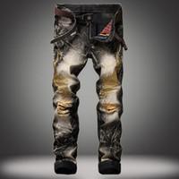 männer s bestickte jeans großhandel-Vintage Mann Marke Jeans 2017 Jugendstil Mode Lancinate Pantalon bestickt goldenen Flügeln Angst vor Gott schwarz zerrissenen Jeans große Größe 28-42