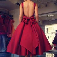 ingrosso ragazza rossa rosa rossa-Abito da sera sexy senza schienale 2019 con fiocco Lunghezza tè rosso Abiti da ballo in raso Abito da festa formale per ragazza Donna