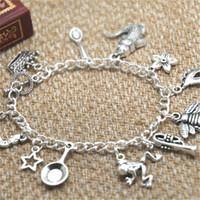 ingrosso braccialetto di fascino del cucchiaio-12pcs Princess and the Frog ispirato braccialetto Corona Cucchiaino coccodrillo Mardi Gras maschera fascino braccialetto alligatore