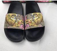 Wholesale Bronze Slide - New Fashion slide sandals slippers men and women WITH BOX Designer flower printed Summer unisex beach flip flops slippers BEST QUALITY