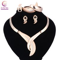 Wholesale vintage crystal jewellery - Dubai Jewelry Sets For Women Weddings Leaves Accessories Fashion Crystal Bridal Party Vintage Gold Color Jewellery