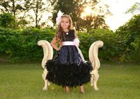 ingrosso abiti da sposa delle ragazze di sequin neri-Vestito da spettacolo della ragazza nera carina Abiti bambina 2017 O Collo Cintura rosa con linea di caviglie a forma di piuma