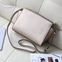 Wholesale Perfect Clear - Free delivery of 2017 new women's handbags star favorite perfect quality small bag Shoulder Bag Messenger Bag