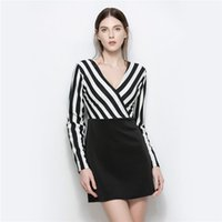 2017 Slim Fashion Stripe Deep V-Ausschnitt Kreuz Sexy Low-Cut Langarm-Kleid Paket Hüfte Kleid Rock Büro Lady Casual Bleistift Rock 5370