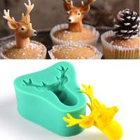 molde de cupcake de natal de silicone venda por atacado-1pcs Christmas Deer 3D Bolo de silicone Molho de pastelaria de reposição Bolo de fondão Ferramentas de decoração Molde de chocolate Cupcake Toppers Pastry Bakery