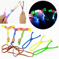 Flash Copter LED Slingshot Hélicoptère Flare Glow Sling Arrow Shot Copter Glitter Flèche Émettant de la Lumière Flying Toys Outdoor Fun Sports