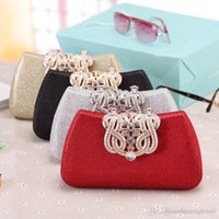 Wholesale Cool Chain Europe - Fashion temperament ladies tide cool crown Symphony grid package Europe and the United States fashion dinner diamond hand holding handbags