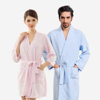 мужские полотенца халат оптовых-Полотенце халат халат халат для женщин мужчины рукава твердые хлопок вафельный халат пеньюар Ночные рубашки халаты пижамы