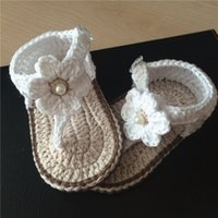 robes mary jane achat en gros de-Bébé fille au crochet chaussures robe blanche de fleurs Mary Jane chaussures de coton 0-12 M