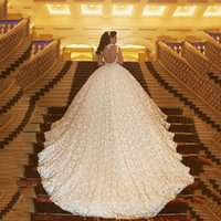 vestido de casamento da catedral sem encosto venda por atacado-Luxuoso Catedral Trem Vestidos de Baile Vestidos de Casamento 2017 Sexy Sheer Querida Backless Vestidos De Noiva Rendas De Luxo 3D Apliques Plus Size