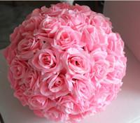 boules de soie achat en gros de-Nouveau Design Fleur De Mariage Artificielle Décor Décoratif Rose Soie Ornements Embrasser Ball Décorer Décorer De Noël Partie Suspendue