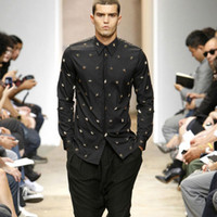 euro mode kleid großhandel-Großhandels-neue Männer Qualität Euro American Fashion Metall Sterne Nieten Schwarz Coole Partei Langarm-Kleid Shirt Casual Masculinas Camiseta