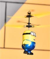 beste männliche spielzeug großhandel-Einzelhandel 2017 MaleFemale Despicable ME Fliegen Fly Minion Radio Sensor RC Hubschrauber Spielzeug Geschenke ME beste geschenk für Kinder
