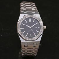 sangles en strass achat en gros de-Style classique calendrier de vente montre à quartz strass incrustation de diamants cadran horloge en acier inoxydable bracelet / homme montres femmes Shippi gratuit