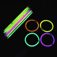 ingrosso collana lampeggiante dei ragazzi-Bastone fluorescente Multi colore luminoso Sticks Braccialetto in flash Collana mercato notturno di stallo Vendita calda Giocattoli per bambini 0 11 gf ff