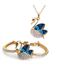 Wholesale bohemian bridal jewelry resale online - Austrian Crystal Jewelry Set DHL Silver Gold Plated Swan Crystal Jewelry Fine Bridal Diamond Bracelet And Necklace Set for Wedding Party