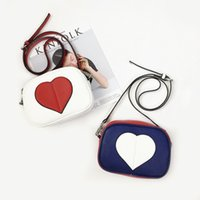 Wholesale Heart Shape Shoulder Bags - 2017 New Fashion Woman Shoulder Bags heart shaped bags Famous Brand Luxury Handbags Women Bags Designer top quality Totes Women Mujer Bolsas