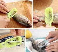 Wholesale Kitchen Helper Practical Fish Scale Scraper Kitchen Supplies Cooking Tools fishing peeler
