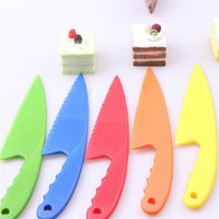 Wholesale knives fda for sale - Colorful Food Grade Plastic Scraper Cake Knife Mousse Bread Knife With Jaggedly Kitchen Baking Tools Random Color