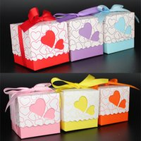 cajas de corazones cintas al por mayor-Estilo europeo Love Candy Cajas Hollow Double Heart Papers Contenedor Ribbon Gift Box Sweets Case para Boda 0 17zj R