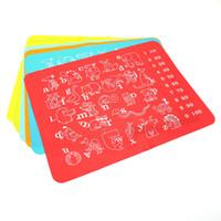 ingrosso alfabeti di silicone-Tappetino colorato per bambini Tappetino silicone per bambini Tappetino per alfabeto Alpino Dimensione 30 * 40 cm Tappetino multiuso