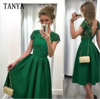 Günstige Jade Green Short Heimkehr Kleider 2017 Lace Appliques Cap Ärmel Party Kleider Backless Falten Satin Vintage Knielänge Prom Dress