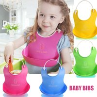 Vente en gros - Hot Sale One Size Baby Silicone Bib Stereo Jetable Bib Kids Bibs Enfants Pick Rice Pocket Cute Boys And Girls Lotes 4 couleurs