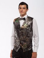 Browning Realtree Camo Pas Cher-Brown Real Tree Camo Gilets de mariage pour hommes Vêtements d'extérieur Groomsmens Gilets Realtree Spring Camouflage Slim Fit Hommes Gilet V-neck Custom With Bow Top